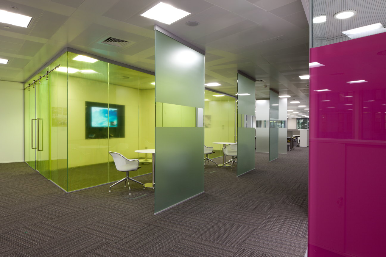 Glazed partitions supply and fitting